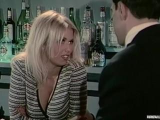 A fiatal Jenna első pornó próbálkozásainak egyike. A pornósztár már kezdőként sem volt amatőr. - Jennas first porn film
