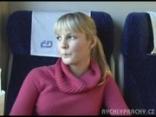 Veronikát dugják a vonaton !