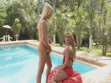 Blonde Shemale Fucking A Hot Girl
