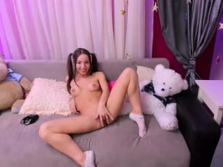 Amatőr tini maszti az ágyon