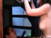 Szexi diáklányok kefélnek egy kollégiumi szobában