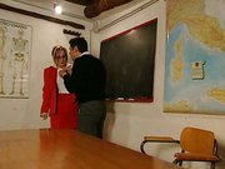 milf szőke olasz tanárnővel