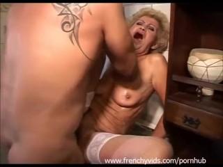Francia nagyi kiélvezi az életet. -  Good Time Granny