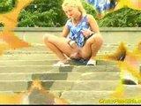 Csajok pisilnek a szabadban