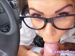 Szopás a kocsiban