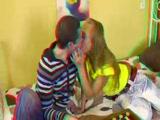 Popsinyalás 3D szexvideo A video megnézéséhez használj vörös-cián 3D szemüveget!
