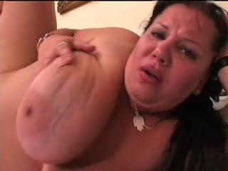Duci hungarian szex igen nagy mellekkel és kofferr