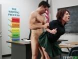 Vallásos vörösbegy a tanárral