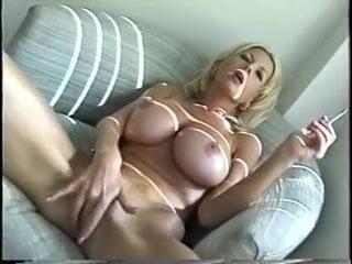 Cigiző mature nő masztija