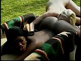 Néger csaj és fehér lány leszbi szex filmje