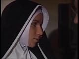 Az apáca, amikor szexi kurvára változik