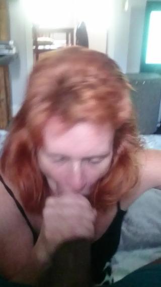 Vörös mutter szopja mostoha fia faszát