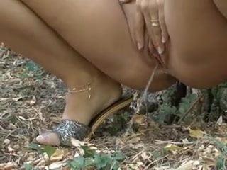 Magyar ribancok az utcán