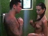 Éden hotel szex zuhany alatt