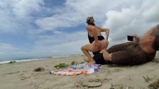 Családi szex a tengerparton nyilvánosság előtt