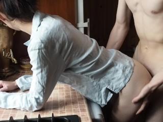 A fiatal pár kedvence a reggeli dugás.