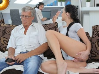 Alapos kefélés az unokával