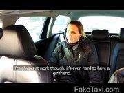 Kocsiban felvett videó egy csajsziról aki a végén