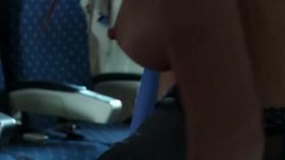 Orgia a repülőn, kielégületlen leszbi csajok akció