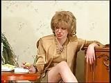 Szex egy bepiált öreg nővel