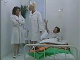 Nővérke ápol