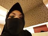 Telavivban jár a Malay ribanc és kefél egy hatalmasat a hotelban, hogy az arca sem látszik, mature teste a kamerák előtt.
