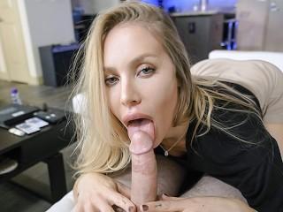 Nicole Aniston a szőke pornósztár
