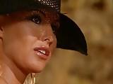 A Magyar pornósztár Sandra egy barlanban szexel.