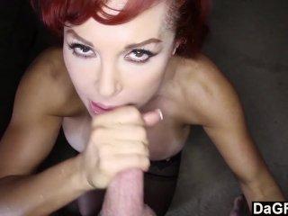 Pornósztárok arcba küldve gecivel