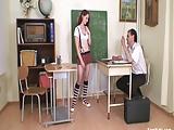 Tanárbácsi megdugja a diáklányt