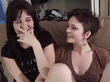 Leszbikus szerelem vibrátorral