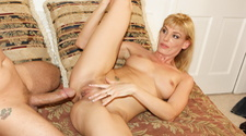 Sexy Darryl Hanah wants to have it deep inside her butthole